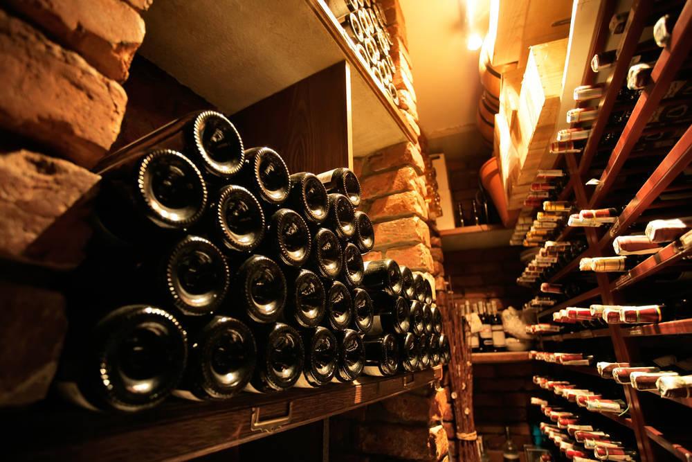 En busca de una buena vinoteca para nuestro chalet