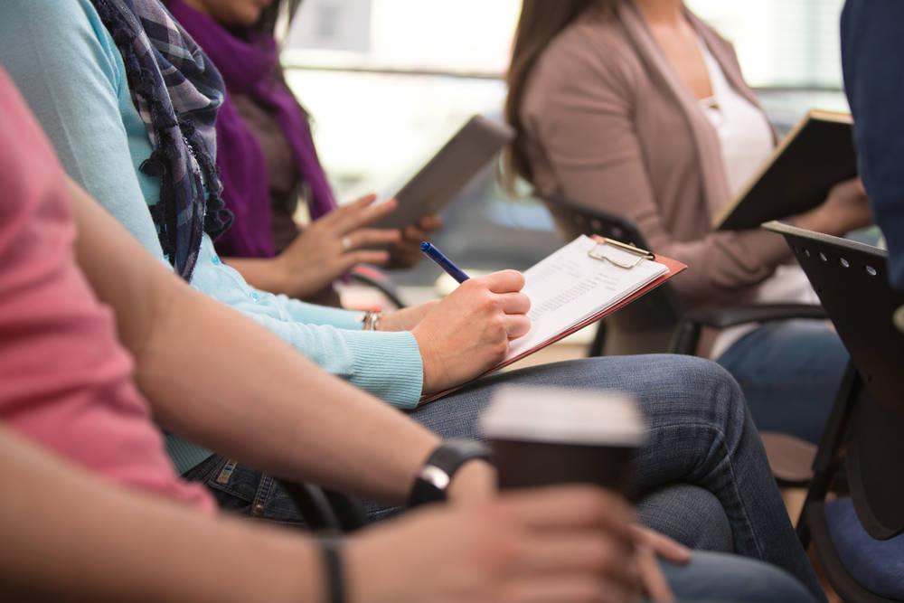 Las academias de estudios como apoyo académico