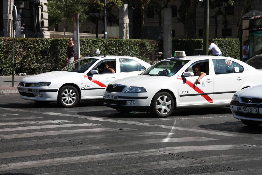Los mejores servicios para el sector del taxi a un clic