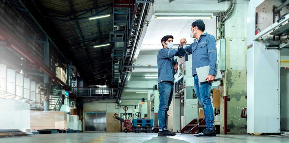 La producción de ropa de trabajo no decae a pesar del coronavirus