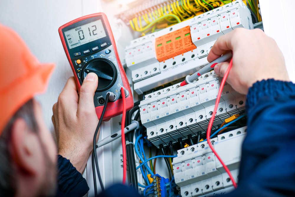 Conoce las normativas que regulan el sector energético